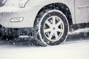 如何於日本自駕遊時租用「附有無釘防滑輪胎(雪胎)的車輛」