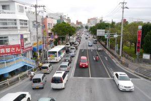 注意早晚繁忙時段的沖繩交通情況!