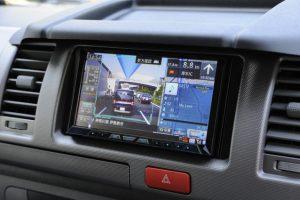 如何安排中文版的汽車導航系統?